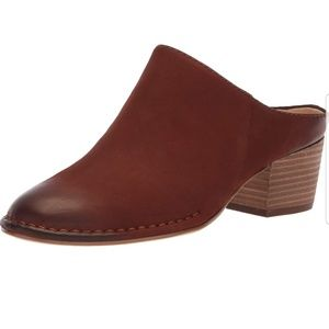 Clarks Spiced Isla Brown Mules